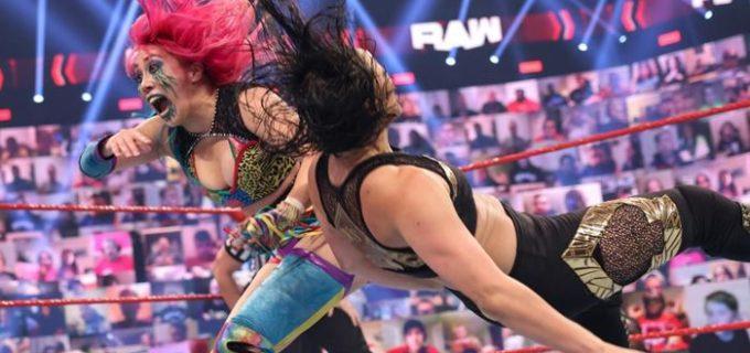 """【WWE】""""女帝""""アスカが6人タッグ戦で王者組に敗退"""