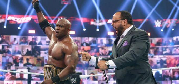 【WWE】王者ラシュリーが渾身のスピアーでトリプルスレット戦を制して王座防衛に成功