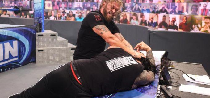 "【WWE】""R指定の男""エッジが襲撃したユニバーサル王者ローマン・レインズと乱闘"