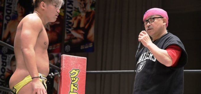 """【DDT】岡田佑介、キスが""""ビッグダディ""""に誤爆し男色ディーノに敗退!ビッグダディ林下清志「意外とチューがうまかった」"""