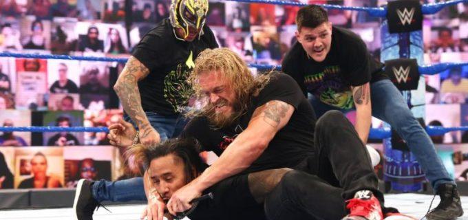 """【WWE】""""R指定の男""""エッジが王者レインズの前でウーソズを鉄パイプ・クロスフェイス葬"""
