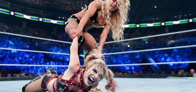"""【WWE】""""女王""""シャーロットが王座防衛して""""小悪魔""""アレクサと人形リリーを破壊"""